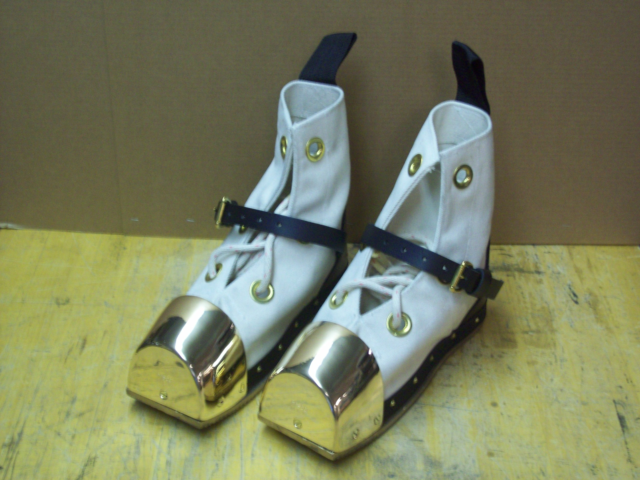 Heavy Equipment Boots : Heavy lead diving shoes white canvas divers